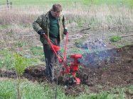 Что делает культиватор с почвой